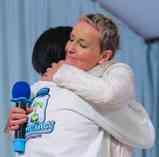 S-Jas-divine-hugs-Combines-Dontai-dec-15